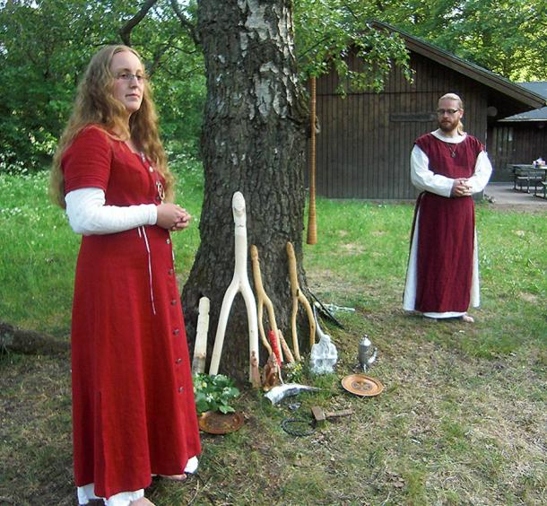 priestess-and-a-priest-ceremony